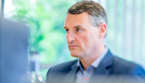 Flybrid Founder & Torotrak Director Jon Hilton completes Business Competition judging panel